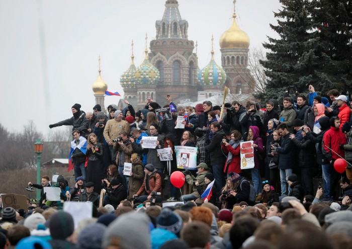 העולם על-פי מוסקבה: מלחמההיברידית